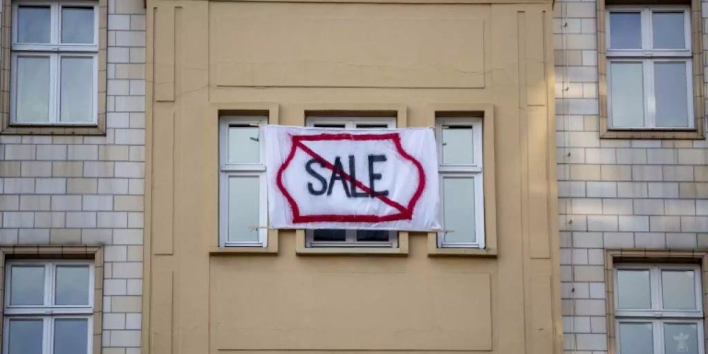 ramelow h lt debatte ber enteignungen von wohnungen f r. Black Bedroom Furniture Sets. Home Design Ideas