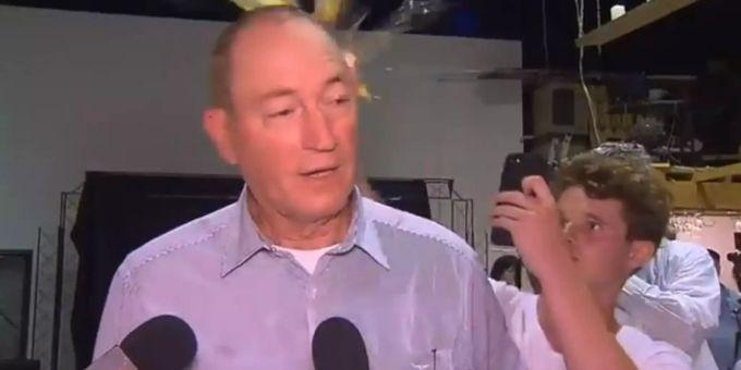 Fraser Anning Twitter: Australischer Senator Fraser Anning Wird Von #EggBoy