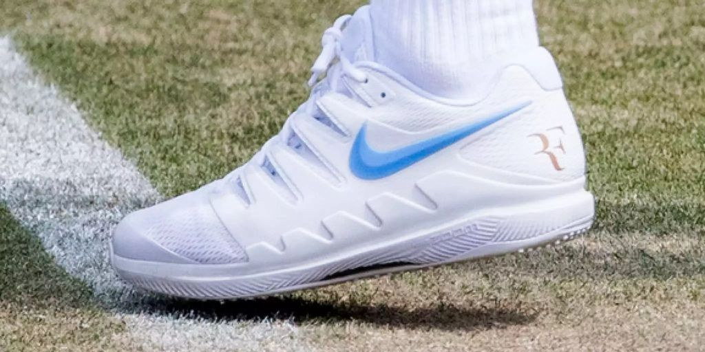 Roger Federer fordert von Nike die Übergabe des RF-Logos