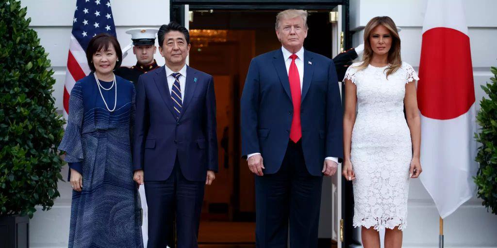 Shinzo Abe zu Gesprächen bei Donald Trump eingetroffen