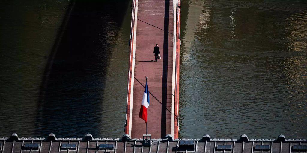 Ausgangssperre Französisch