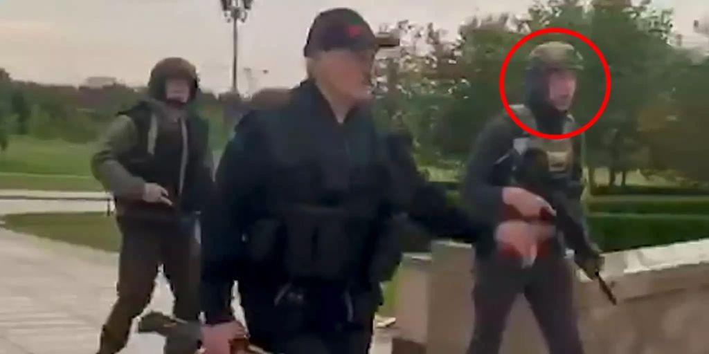 Benutzt Lukaschenko seinen eigenen Sohn Nikolai (15) als Bodyguard?