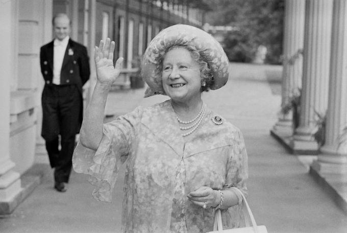 Queen Mum Prinz Charles
