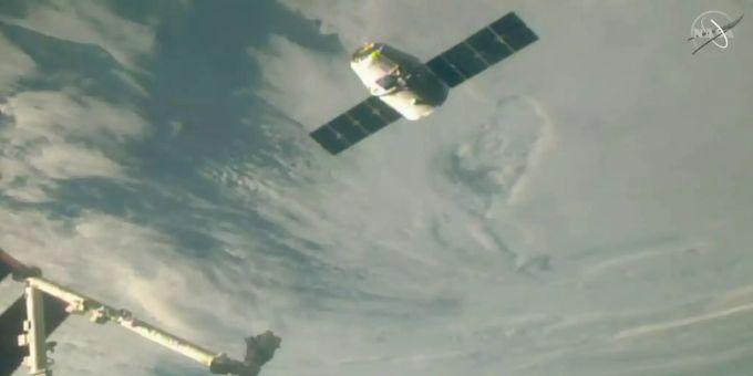 Internationale Weihnachtsessen.Raumfrachter Dragon Bringt Weihnachtsessen Zur Iss
