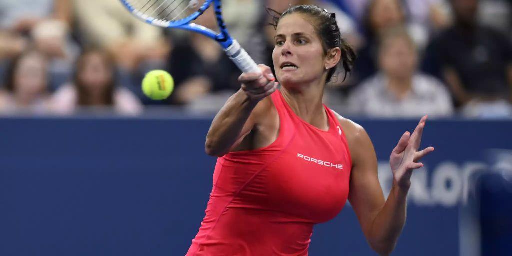 Brüste julia görges Sportswomen Julia