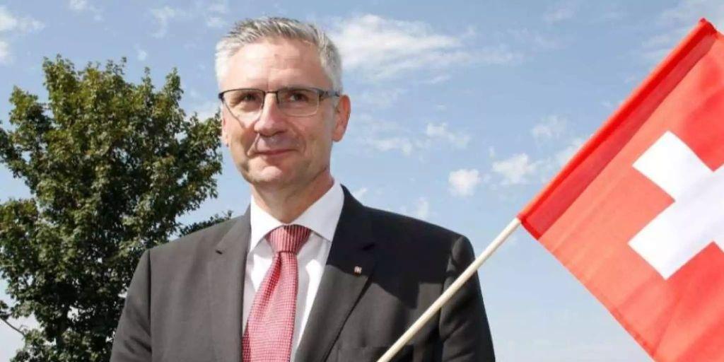 Andreas Glarner will Betverbot für Muslime in der Öffentlichkeit