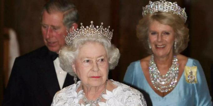 Queen Elizabeth 2 Unterschrift