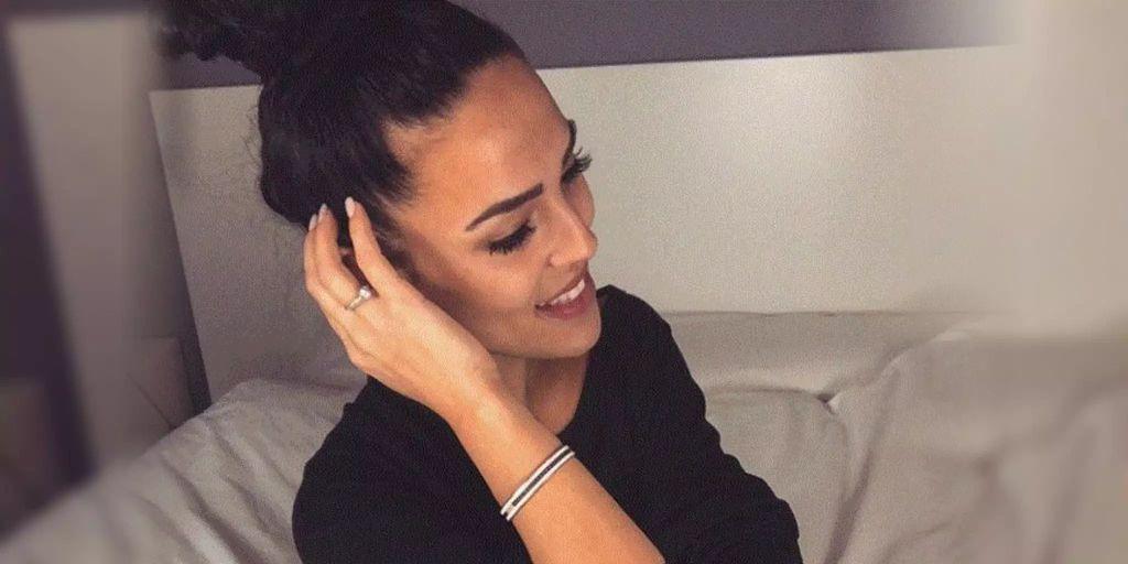Elena Miras Verliert Ihr Haar Buschelweise